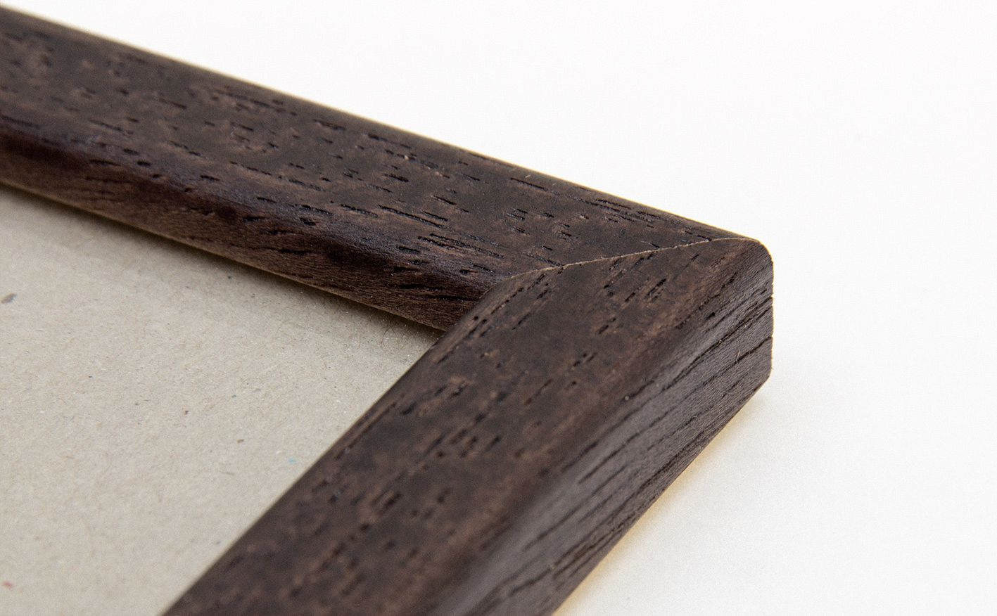 bilderrahmen holz natur dunkel mit profilkante f r a4 kaufen. Black Bedroom Furniture Sets. Home Design Ideas